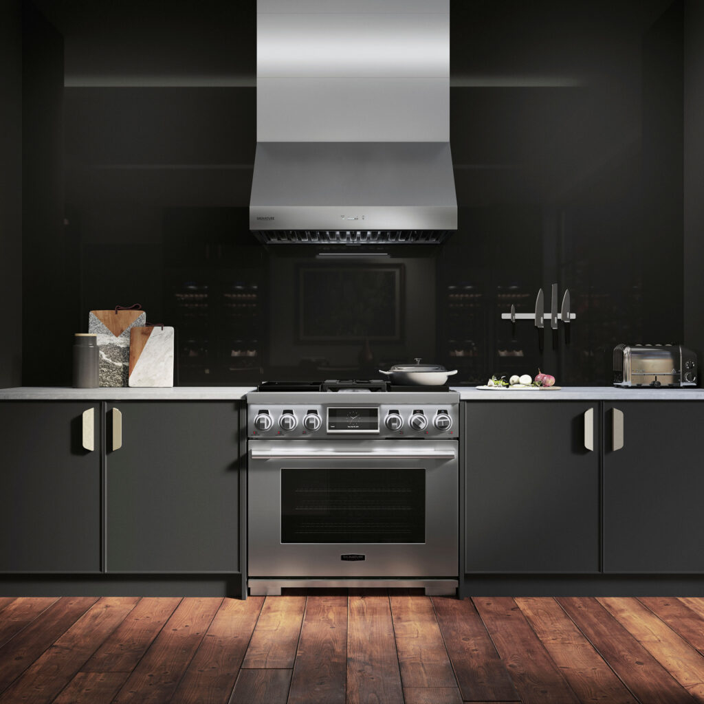 Ravasy_Signature Kitchen - 36 inch ProHood_hero_41